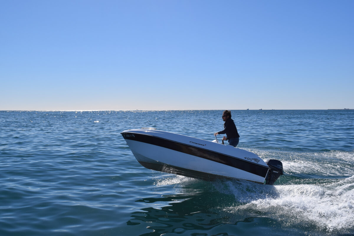 Boat Rental: Compass 400 GT