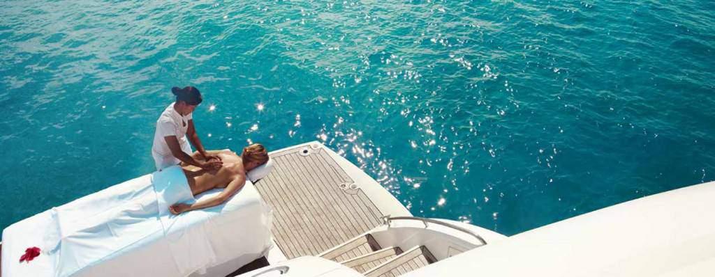 alquiler catamaran,barcelona,experiencia romantica