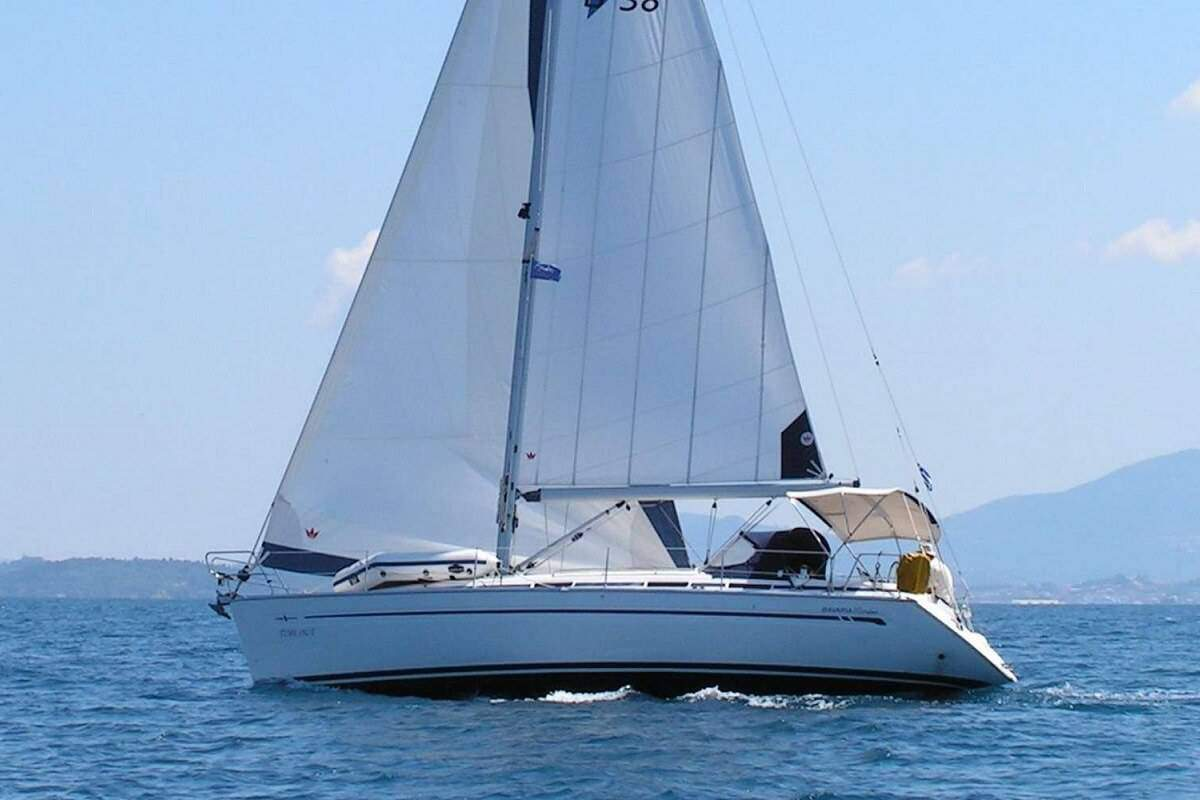 Boat Rental: Bavaria 38 Cruiser