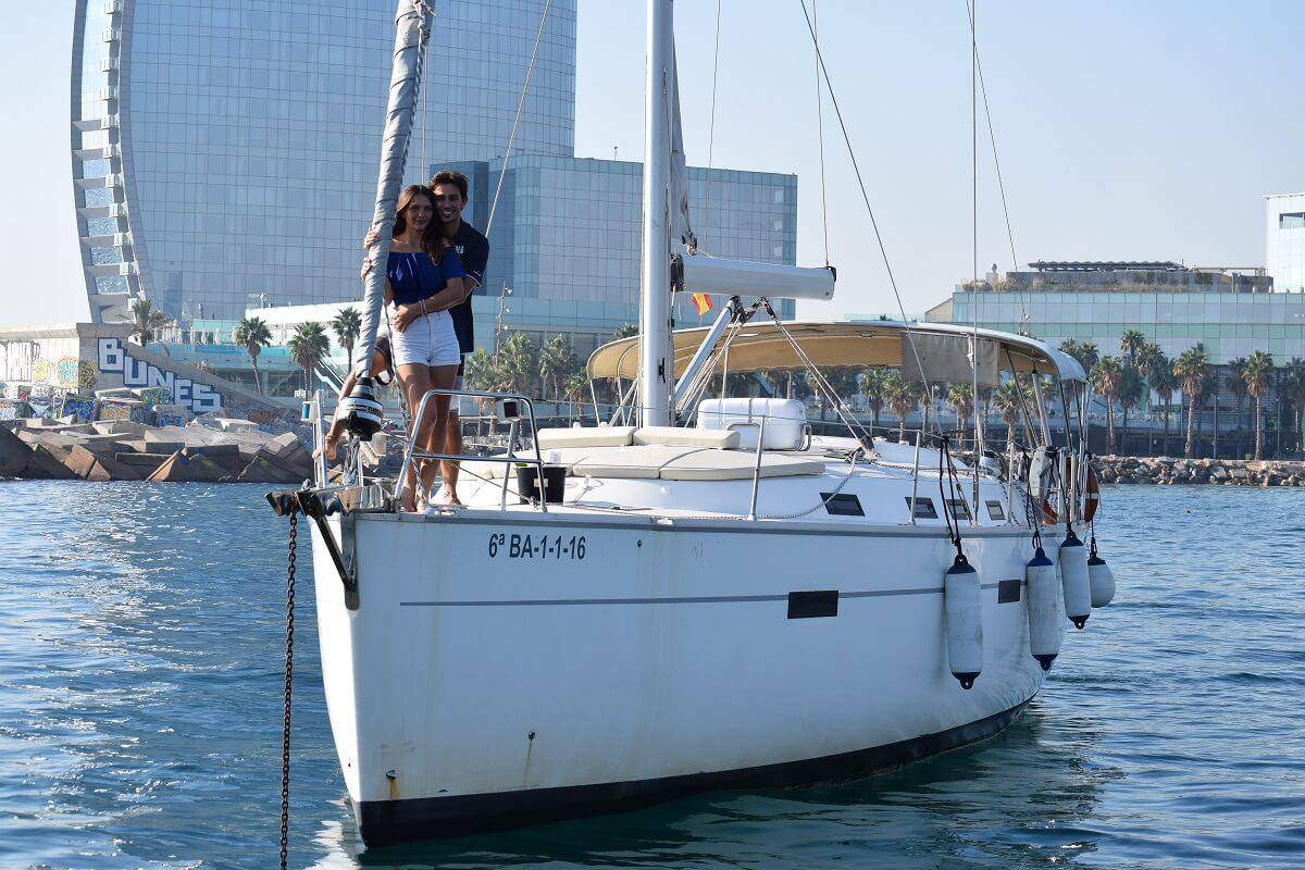 Gift Experiences: Romantic sailing excursion