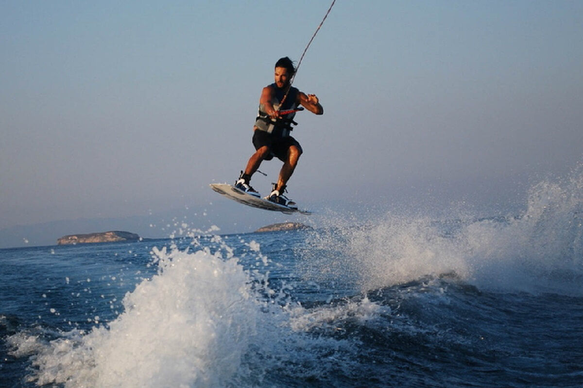Gift Experiences: Extreme wakeboard Barcelona