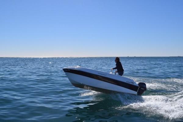Boat Rental: Compass 400 GT