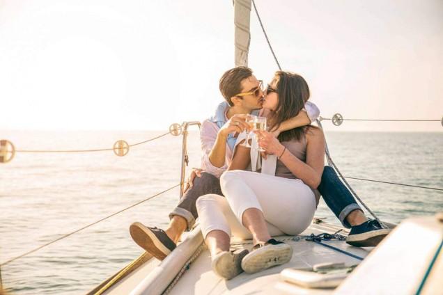 Excursió romàntica en veler