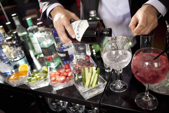 Experiencias para Regalar: Gin Tonic & Sunset Sail Cruise in Barcelona