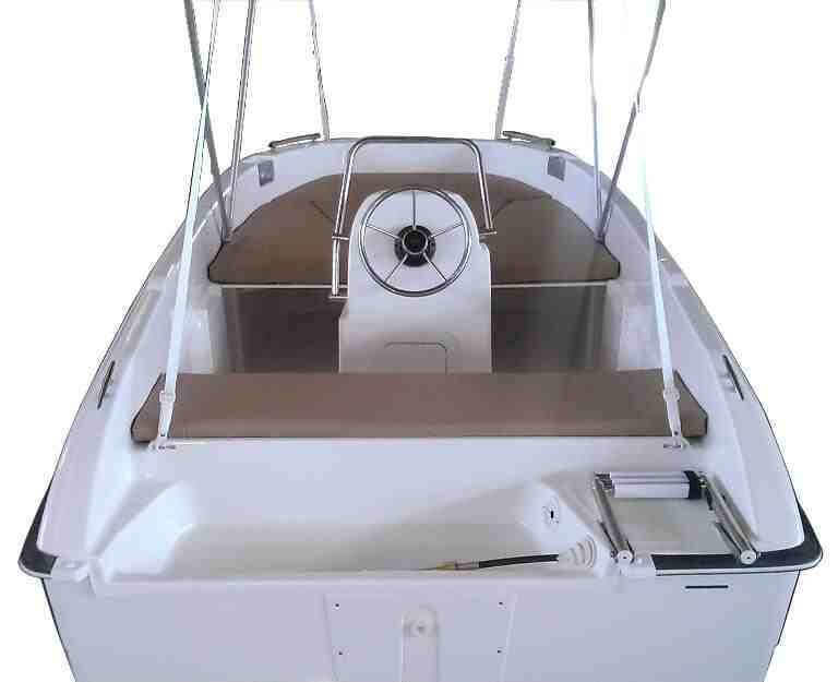 Rent unlisenced boat Compass 400GT in Barcelona
