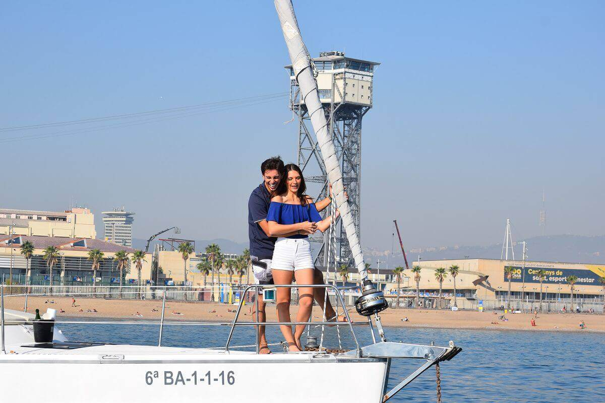 Romantic sailing experiences in Barcelona
